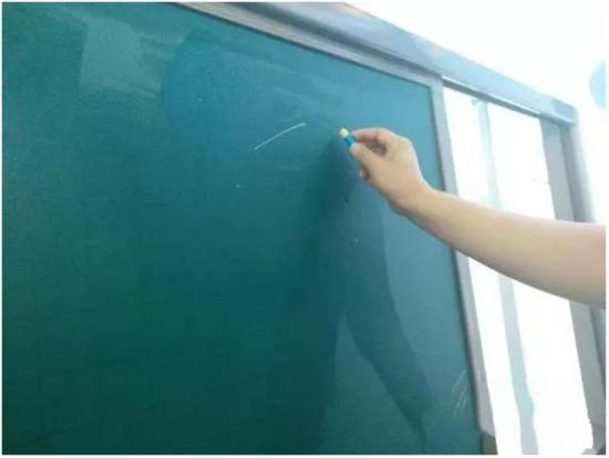 1.最新资讯1-9辽宁第二届教育装备展在我司举办64http://mengteqi.com/1.jpg